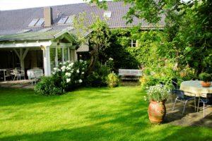 Denkmäler – Trierer Einhaus von 1929 – Garten