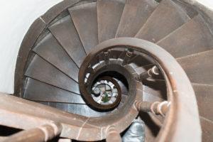 Denkmäler – Burg aus dem 16.Jahrhundert - Treppe
