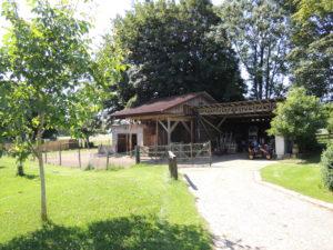 Pferdehof mit kernsaniertem Wohnhaus